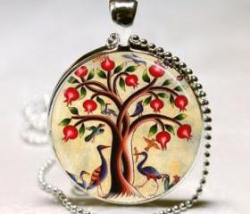 Tree of Life Necklac..